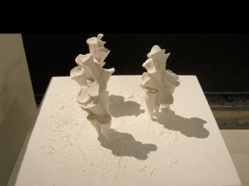 """Petits, trois pièces, céramique, 7"""" X 4"""" chacune, 2012."""
