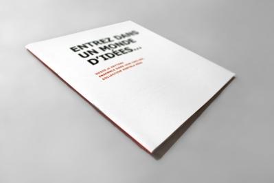 """KONTRLA HÖSS, livre d'artiste, impression numérique sur papier glacé, 6,5"""" X 6"""", 2012-2013."""